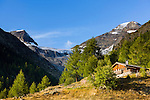 Switzerland, Canton Valais, Fafleralp im Loetschental: valley end of Loetschental with Bernese Alps | Schweiz, Kanton Wallis, Fafleralp im Loetschental: Talschluss des Loetschentals mit Gipfeln der Berner Alpen