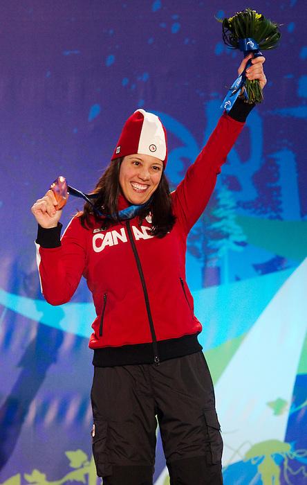 Karolina Wisniewska, Vancouver 2010 - Para Alpine Skiing // Ski para-alpin.<br /> Karolina Wisniewska receives her bronze medal in Para Alpine Skiing // Karolina Wisniewska reçoit sa médaille de bronze en ski para-alpin. 15/03/2010.