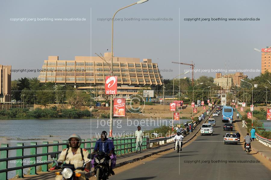 NIGER Niamey, Hotel Gaweye  and Kennedy bridge over river Niger