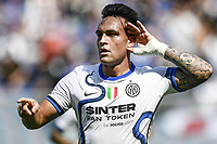 Lautaro Martinez of FC Internazionale celebrates after scoring the goal of 1-2 during the Serie A football match between UC Sampdoria and FC Internazionale at stadio Marassi in Genova (Italy), September 12th, 2021. Photo Image Sport / Insidefoto