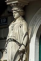 Jugendstil-Hauseingang Strudlhofgasse, Wien, Österreich, UNESCO-Weltkulturerbe<br /> Art Nouveau House entrance, Strudelhofgasse, Vienna, Austria, world heritage