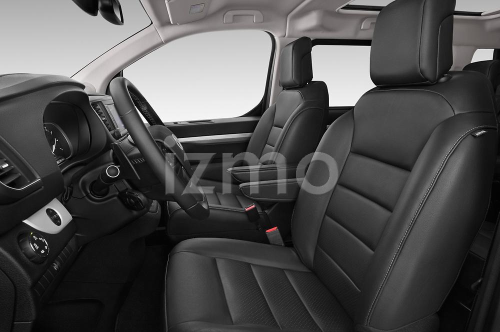 Front seat view of 2018 Toyota Proace-Verso VIP 5 Door Minivan Front Seat  car photos