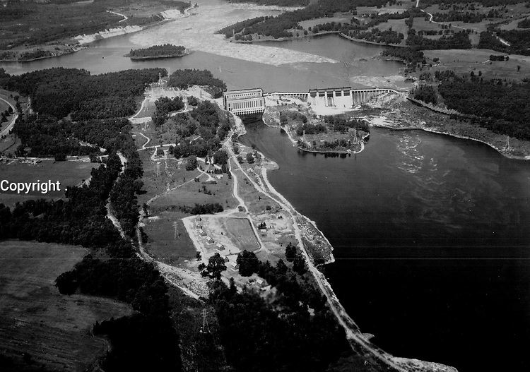 Chelsea development: Aerial view of the Gatineau Power Co. on the Gatineau River. Que.; which develops 136;000 horsepower<br /> <br /> 1929<br /> <br /> PHOTO : Toronto Star Archives - AQP