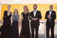 Actress Caitriona Balfe, producer Jodie Foster, actors Julia Roberts, Dominic West and George Clooney - CANNES 2016 - DESCENTE DES MARCHES DU FILM 'MONEY MONSTER