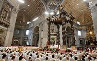 Papa Francesco celebra la Messa del Crisma in occasione del Giovedi' Santo, nella Basilica di San Pietro, Citta' del Vaticano, 13 aprile 2017.<br /> Pope Francis leads the Chrism Mass for Holy Thursday in Saint Peter's Basilica at the Vatican, on April 13, 2017.<br /> UPDATE IMAGES PRESS/Isabella Bonotto<br /> STRICTLY ONLY FOR EDITORIAL USE
