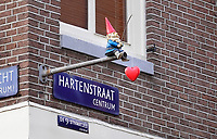Nederland  Amsterdam   2021.    Kabouter met hart van kunstenaar Streetart Frankey.   Foto Berlinda van Dam / HH / ANP.