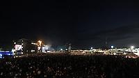 """Wacken Open Air 2011 - WOA im beschaulichen Ort Wacken in Norddeutschland - 85 000 Fans der lauteren Töne pilgern zu ihrem Mekka nach Wacken - alle Größen des Heavy Metal Universums geben sich die Ehre - im Bild: das Publikum vor den Bühnen - Impression Übersicht beim Auftritt von """"Judas Priest"""". Foto: aif / Norman Rembarz..Jegliche kommerzielle wie redaktionelle Nutzung ist honorar- und mehrwertsteuerpflichtig! Persönlichkeitsrechte sind zu wahren. Es wird keine Haftung übernommen bei Verletzung von Rechten Dritter. Autoren-Nennung gem. §13 UrhGes. wird verlangt. Weitergabe an Dritte nur nach  vorheriger Absprache. Online-Nutzung ist separat kostenpflichtig.."""
