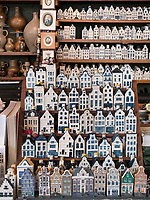 Kachelgeschäft Eduard Kramer, Nieuwe Spiegelstraat, Amsterdam, Provinz Nordholland, Niederlande<br /> tile store Eduard Kramer, Nieuwe Spiegelstraat, Amsterdam, Province North Holland, Netherlands