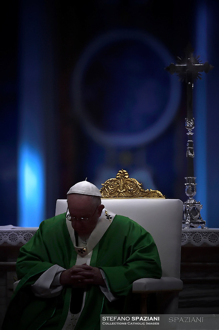 Pope Francis celebrates a Holy Mass for the Jubilee of the Homeless in St. Peter's Basilica in Vatican City, Vatican on November 13, 2016.