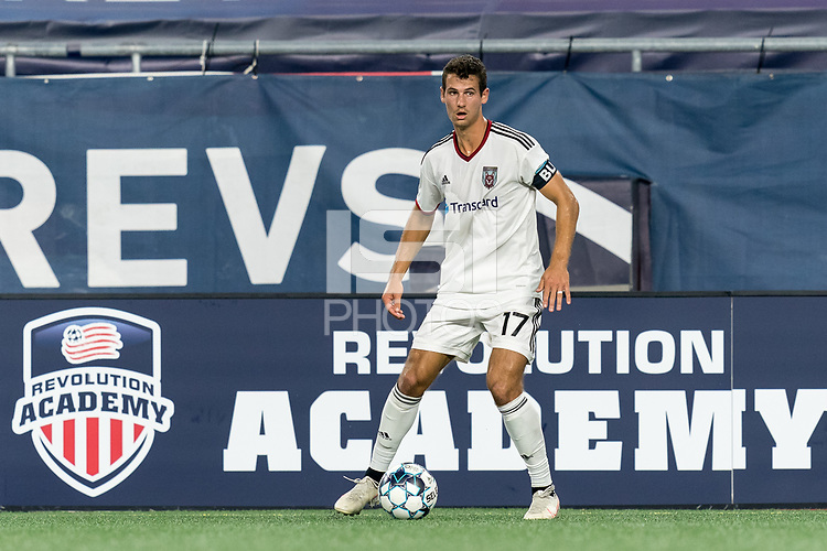 FOXBOROUGH, MA - SEPTEMBER 09: Jonathan Ricketts #17 of Chattanooga Red Wolves SC looks to pass during a game between Chattanooga Red Wolves SC and New England Revolution II at Gillette Stadium on September 09, 2020 in Foxborough, Massachusetts.