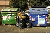 Containers of waste sorting for separate different elements.Contenitori per la raccolta differenziata dei rifiuti...
