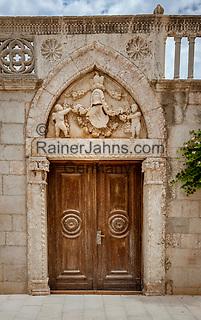 Croatia, Kvarner Gulf, Rab Island, Rab (Town): old gate in old town   Kroatien, Kvarner Bucht, Insel Rab, Rab (Stadt): altes in der Altstadt