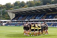 Photo: Richard Lane/Richard Lane Photography. London Wasps v Worcester Warriors. 07/09/2012. Wasps huddle.