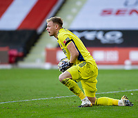 31st October 2020; Bramall Lane, Sheffield, Yorkshire, England; English Premier League Football, Sheffield United versus Manchester City; Sheffield United Goalkeeper Aaron Ramsdale catches the ball from a cross late in the game