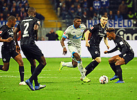 Breel Embolo (FC Schalke 04) setzt sich durch - 11.11.2018: Eintracht Frankfurt vs. FC Schalke 04, Commerzbank Arena, DISCLAIMER: DFL regulations prohibit any use of photographs as image sequences and/or quasi-video.
