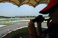 Track ambiance with force India and Ferrari in action.24/03/2012 Grand Prix Malesia, Sepang , Essais..Foto Insidefoto  /Bernard Asset / Panoramic.ITALY ONLY..