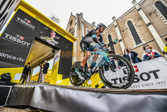 Amund Grondahl Jansen (NOR) Team BikeExchange first man off the start ramp of Stage 5 of the 2021 Tour de France, an individual time trial running 27.2km from Change to Laval, France. 30th June 2021.  <br /> Picture: A.S.O./Charly Lopez   Cyclefile<br /> <br /> All photos usage must carry mandatory copyright credit (© Cyclefile   A.S.O./Charly Lopez)