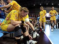 Handball Frauen / Damen  / women 1. Bundesliga - DHB - HC Leipzig : Frankfurter HC - im Bild: gedrückte Stimmung bei den Girls vom HCL - vorn: Anne Ulbricht . Foto: Norman Rembarz .