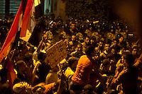 EGITTO, IL CAIRO 9/10 settembre 2011: assalto all'ambasciata israeliana. Migliaia di manifestanti egiziani, ancora infuriati per l'uccisione di cinque guardie di frontiera egiziane da parte dell'esercito israeliano, hanno fatto irruzione nella sede diplomatica israeliana e sono stati poi sgomberati da esercito e polizia egiziana. Nell'immagine: scontri tra manifestanti e polizia egiziana.<br /> Egypt attack to the Israeli embassy  Attaque à l'ambassade israelienne Caire