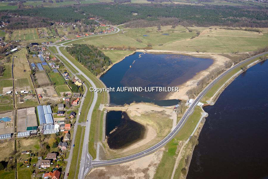 Borghorster Elbwiesen Deichrueckverlegung: EUROPA, DEUTSCHLAND, HAMBURG 27.03.2017: Die Borghorster Elbwiesen in Hamburg-Altengamme und Geesthacht sind mit einer Flaeche von 69 Hektar Teil des Naturschutzgebietes Borghorster Elblandschaft . Ein 1968 errichteter Leitdamm trennt die Wiesen vom Strom der Elbe. Mit der geplanten und gebauten Kohaerenzmaßnahme wurde der Deich wieder geoeffnet und die Landschaft dem Tideeinfluss ausgesetzt.