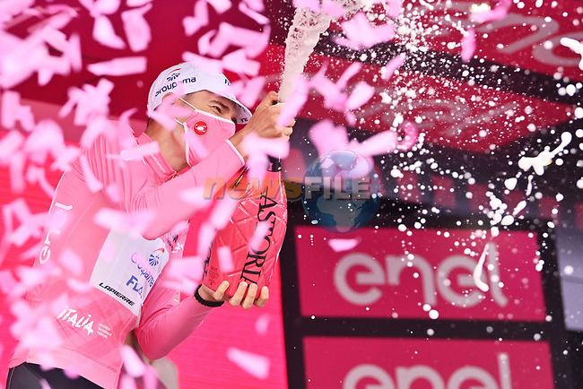 Attila Valter (HUN) Groupama-FDJ retains the race leaders Maglia Rosa at the end of Stage 8 of the 2021 Giro d'Italia, running 170km from Foggia to Guardia Sanframondi, Italy. 15th May 2021.  <br /> Picture: LaPresse/Massimo Paolone | Cyclefile<br /> <br /> All photos usage must carry mandatory copyright credit (© Cyclefile | LaPresse/Massimo Paolone)