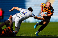 25th April 2021; Ricoh Arena, Coventry, West Midlands, England; English Premiership Rugby, Wasps versus Bath Rugby; Dan Robson of Wasps evades the challenge from Will Muir of Bath Rugby