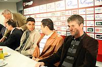 Neuzugang Caio (Eintracht) mit Dr. Thomas Proeckl (Vorstand Eintracht, l.), seinem Dolmetscher und Eintracht Trainer Friedhelm Funkel<br /> Eintracht Frankfurt Vorstellung Caio<br /> *** Local Caption *** Foto ist honorarpflichtig! zzgl. gesetzl. MwSt. Auf Anfrage in hoeherer Qualitaet/Aufloesung. Belegexemplar an: Marc Schueler, Am Ziegelfalltor 4, 64625 Bensheim, Tel. +49 (0) 6251 86 96 134, www.gameday-mediaservices.de. Email: marc.schueler@gameday-mediaservices.de, Bankverbindung: Volksbank Bergstrasse, Kto.: 151297, BLZ: 50960101