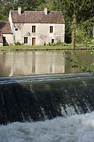 Europe/France/Bourgogne/89/Yonne/ Merry:  Maison de l'éclusier sur le canal du Nivernais à Merry