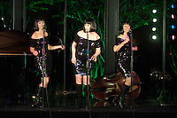 Singing with the Idols benefiting the Houston Grand Opera