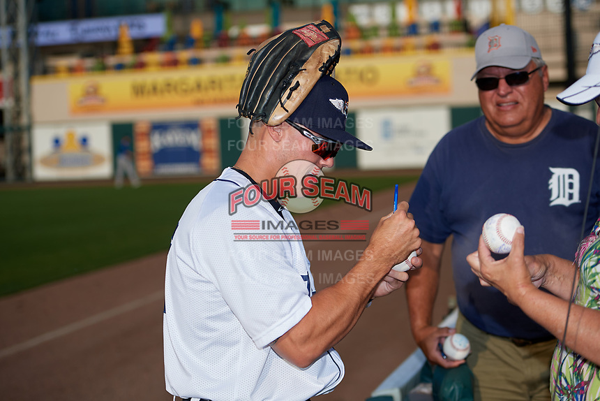 Lakeland Flying Tigers left fielder Brady Policelli (27) signs autographs before a Florida State League game against the Tampa Tarpons on April 5, 2019 at Publix Field at Joker Marchant Stadium in Lakeland, Florida.  Lakeland defeated Tampa 5-3.  (Mike Janes/Four Seam Images)