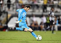 Orlando, FL - Saturday Jan. 21, 2017: São Paulo goalkeeper Denis (1) during the first half of the Florida Cup Championship match between São Paulo and Corinthians at Bright House Networks Stadium.