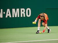 13-02-12, Netherlands,Tennis, Rotterdam, ABNAMRO WTT, Ballenmeisje