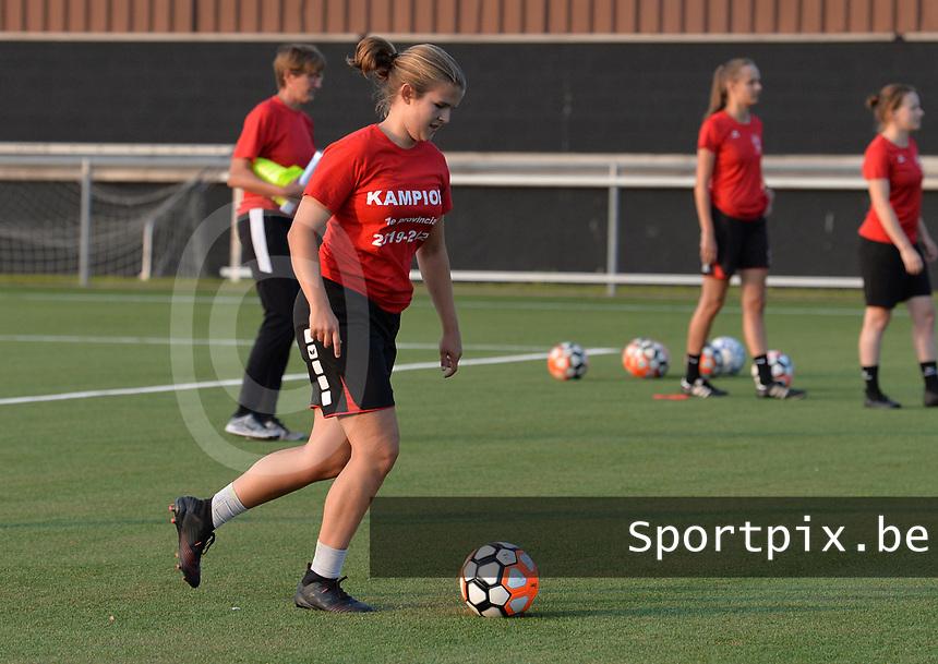 Justien Vandenberk from FC Alken