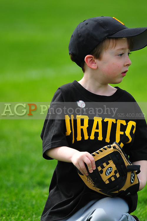 The Pleasanton National Little League T-Ball Pirates  at the Pleasanton Sports Park Saturday March 20, 2010. (Photo by Alan Greth)