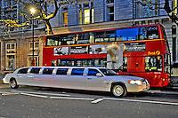 Transporte em limusine. Londres. Inglaterra. 2008. Foto de Juca Martins.