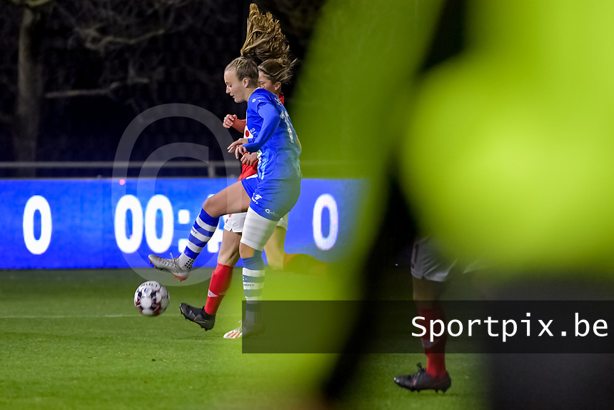 Gent's forward Lobke Loonen (19) pictured during a female soccer game between  AA Gent Ladies and Standard Femina de Liege on the 8 th matchday of the 2020 - 2021 season of Belgian Scooore Womens Super League , friday 20 th of November 2020  in Oostakker , Belgium . PHOTO SPORTPIX.BE | SPP | STIJN AUDOOREN