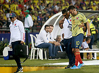 BUCARAMANGA - COLOMBIA, 09-02-2020: Nicolas Benedetti de Colombia abandona el campo de juego lesionado durante partido entre Colombia U-23 y Uruguay U-23 por el cuadrangular final como parte del torneo CONMEBOL Preolímpico Colombia 2020 jugado en el estadio Alfonso Lopez en Bucaramanga, Colombia. / Nicolas Benedetti of Colombia leaves the field injured during the match between Colombia U-23 and Uruguay U-23 for for the final quadrangular as part of CONMEBOL Pre-Olympic Tournament Colombia 2020 played at Alfonso Lopez stadium in Bucaramanga, Colombia. Photo: VizzorImage / Jaime Moreno / Cont