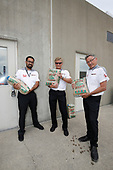 Verizon IndyCar Series<br /> Indianapolis 500 Practice<br /> Indianapolis Motor Speedway, Indianapolis, IN USA<br /> Wednesday 17 May 2017<br /> Following complaints from the opposition that their cars are too fast in practice for the Indy 500, Honda engineers take delivery of a fresh round of sandbags Wednesday at the Indianapolis Motor Speedway.<br /> World Copyright: Michael L. Levitt<br /> LAT Images