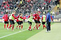 Team von Eintracht Frankfurt beim Aufw‰rmen