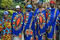 RWANDA, Musanze, Ruhengeri, village Cyuve, Hutu women in waxprints cloth