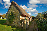 Stage End, Danby, thatched Long House ( 1500's ) , Ryedale Folk Museum, Hutton Le Hole, North Yorks Moors National Park, Yorkshire, England