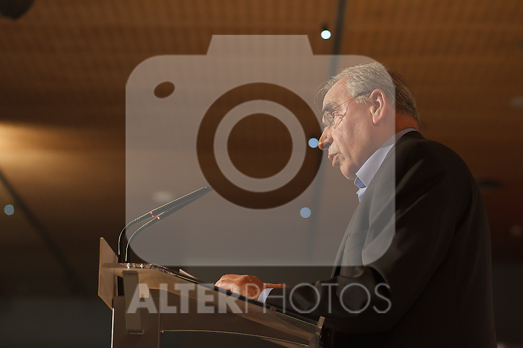 """Madrid,Spain - 16 10 2014- """"politics""""-Former Spanish Socialist  Alfonso Guerra during at the 40th anniversary ceremony of the Suresnes Congress (Foto: Guillermo Martinez /Bouza Press)"""