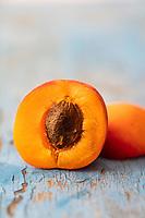 Gastronomie Générale / Diététique / Abricot Bio du  Lubéron, // General Gastronomy / Diet / Organic Apricot from Lubéron