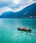 Oesterreich, Tirol, Pertisau am Achensee: Kanutour auf dem Achensee | Austria, Tyrol, Pertisau am Achensee: canoeing on lake Achensee