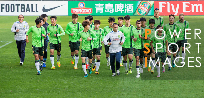 Players of Jeonbuk Hyundai Motors (KOR) warm up during a training session ahead of their AFC Champions League 2016 Semi Final match against FC Seoul (KOR) at Seoul World Cup Stadium on 18 October 2016, in Seoul, South Korea. Photo by Victor Fraile / Power Sport Images