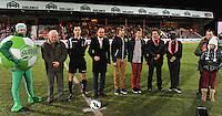 KV Kortrijk - KV Mechelen : een minuut stilte voor de aftrap.foto VDB / BART VANDENBROUCKE
