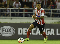 BARRANQUIILLA - COLOMBIA, 29-11-2018: James Sanchez de Junior en acción durante el encuentro entre Atlético Junior de Colombia e Independiente Santa Fe de Colombia por la semifinal, vuelta, de la Copa CONMEBOL Sudamericana 2018 jugado en el estadio Roberto Meléndez de la ciudad de Barranquilla. / James Sanchez of Junior in action during a semifinal second leg match between Atletico Junior of Colombia and Independiente Santa Fe of Colombia as a part of Copa CONMEBOL Sudamericana 2018 played at Roberto Melendez stadium in Barranquilla city.  Photo: VizzorImage / Gabriel Aponte / Staff