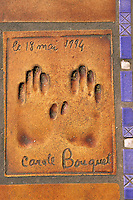 Europe/France/Provence-Alpes-Côte d'Azur/06/Alpes-Maritimes/Cannes: Palais des festivals - Détail allée des étoiles du cinéma, empreintes des mains des célébrités