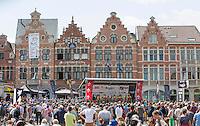 team presentation under a sunny sky on the Central Square in Aarschot<br /> <br /> 1st Dwars door het Hageland 2016<br /> (pics by Léon Van Bon)