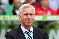 Pictured: Crystal Palace manager Alan Pardue by the dugout prior to the game<br />